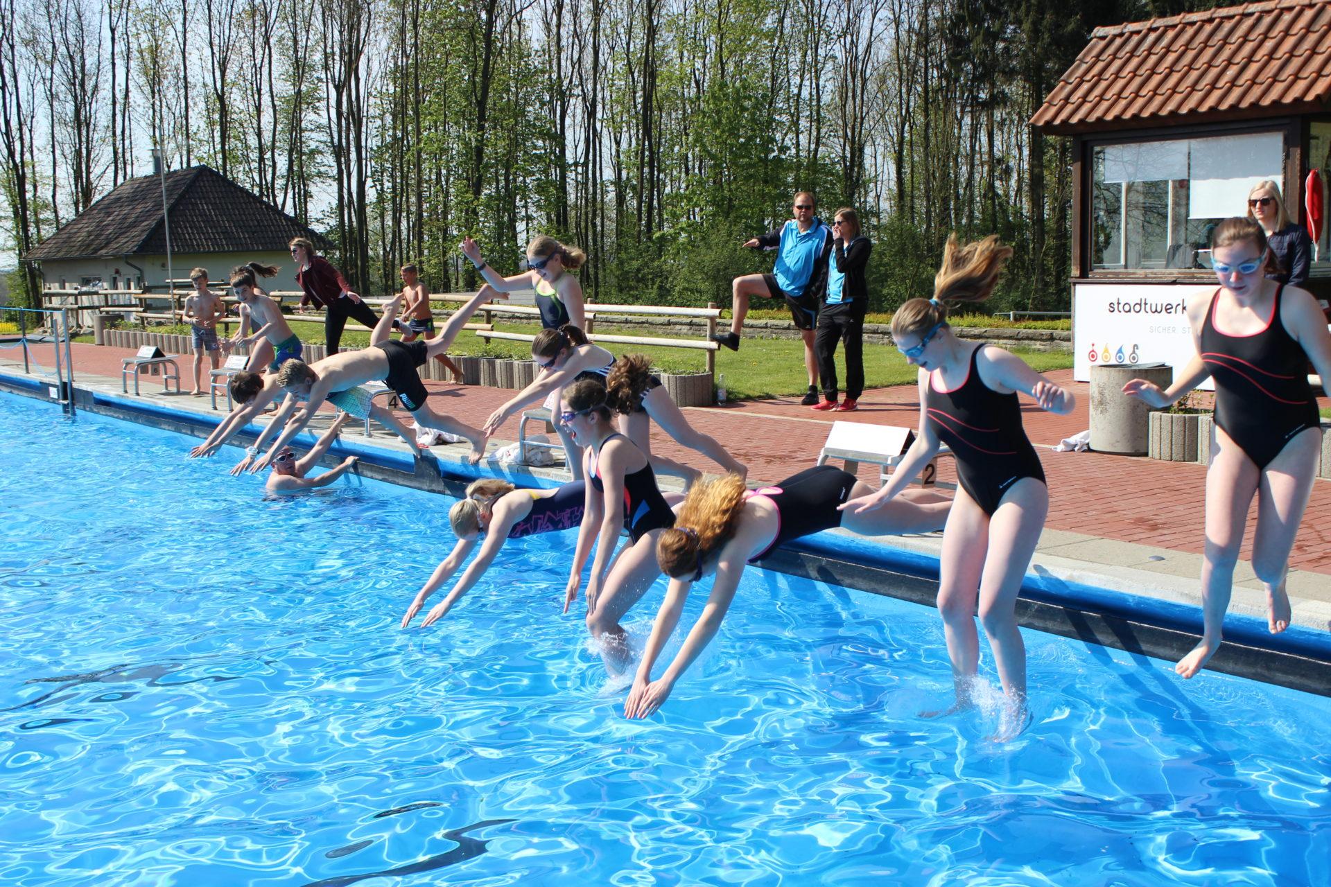 Artikelfoto zum Artikel Es geht wieder los: Anschwimmen im Bergfreibad